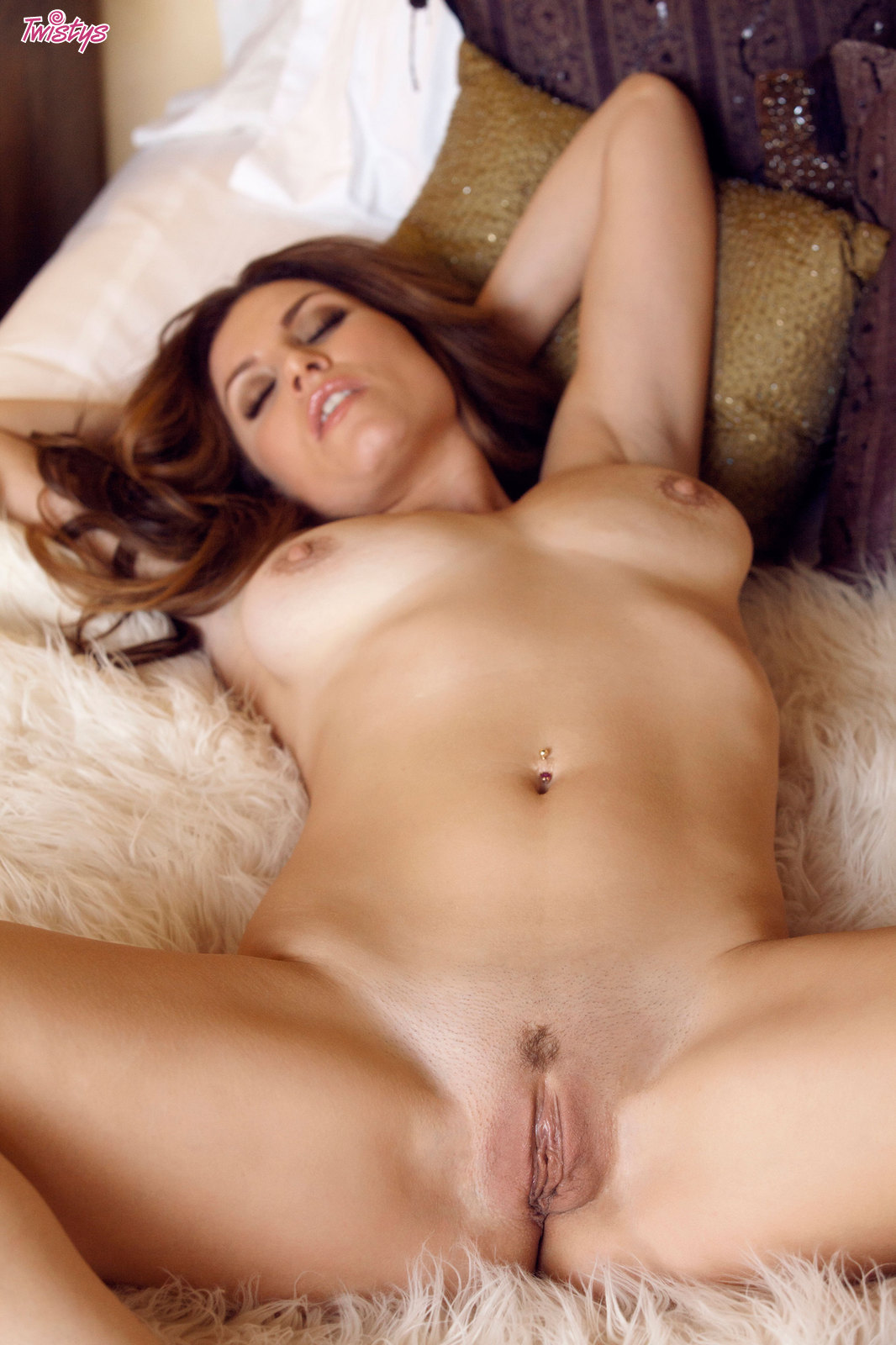 Alyssia kent hot brunette beauty in pov action - 3 part 2