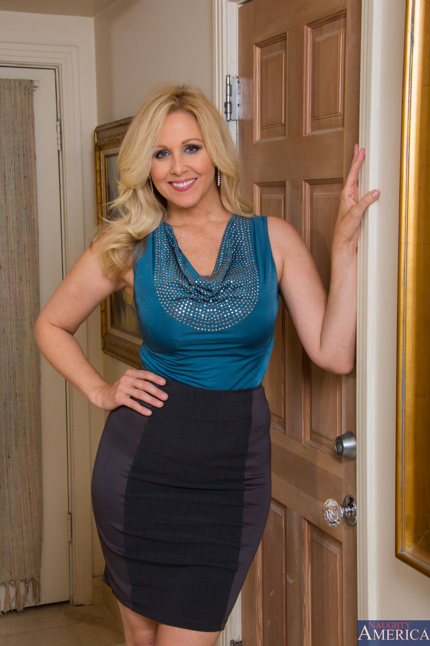 Julia ann friends hot mom