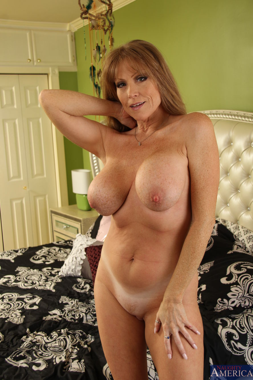 Darla crane hot mom