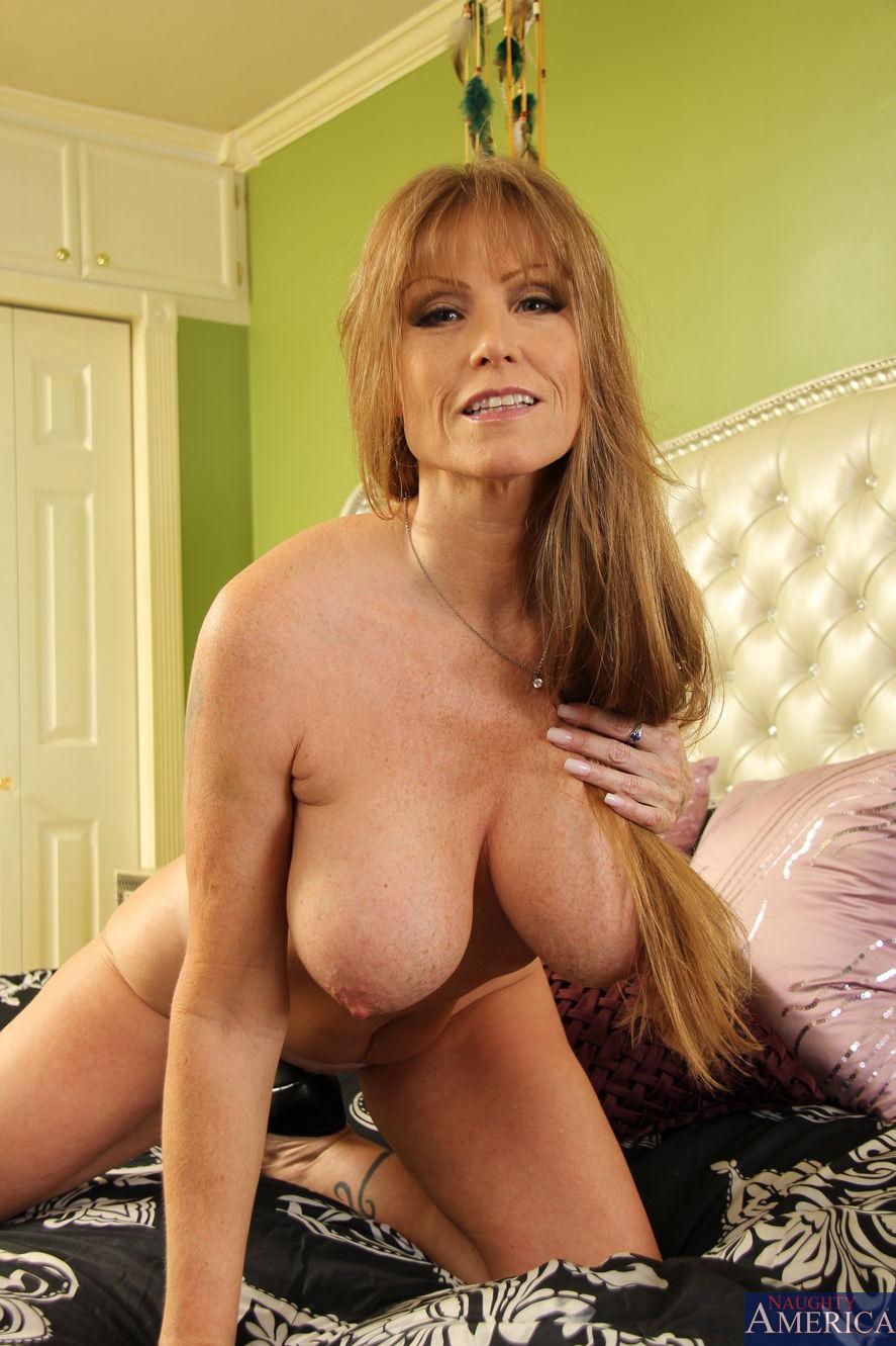 Sexy big pecs men porn