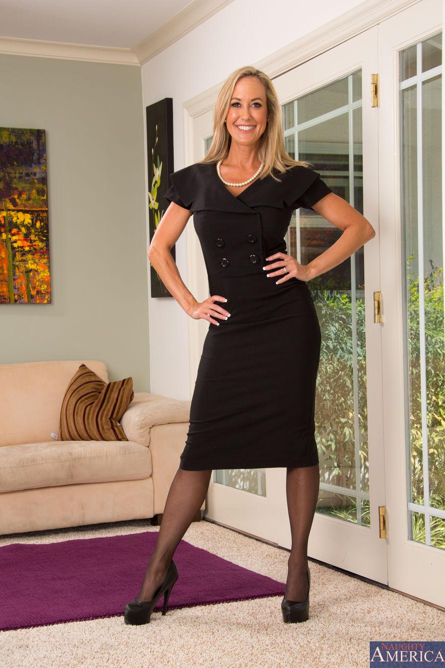 Sara Jay & Bruce Venture in Seduced by a Cougar - HotMovs