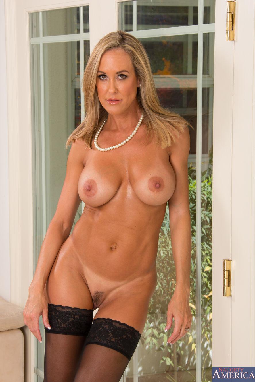 tits-cougar-woman-naked