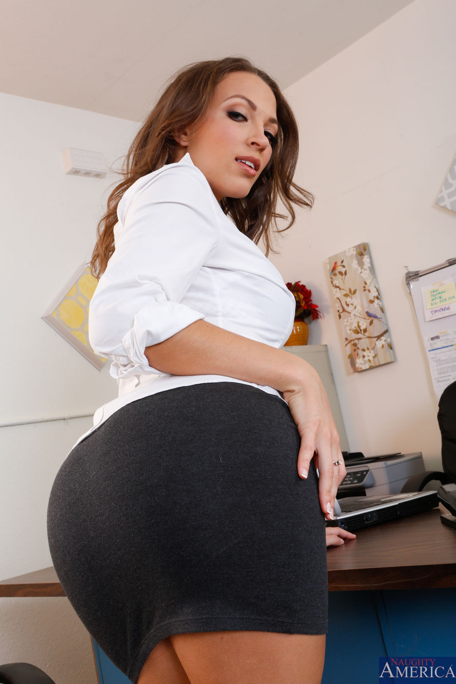 Lily Love - Naughty Office 2096