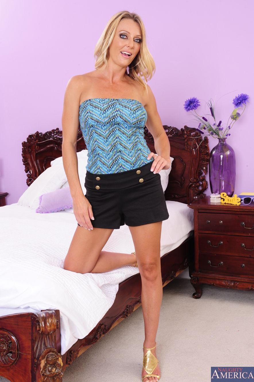 Brenda James - Seduced By A Cougar 2123-6196