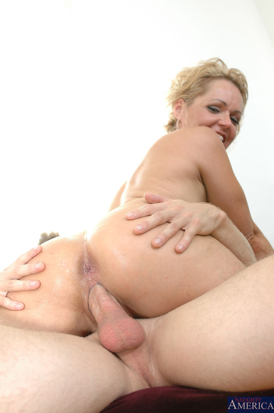 Lena paul her first interracial anal and loves it - 3 10