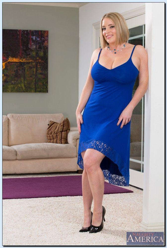 Maggie Green - My Friends Hot Mom 2259