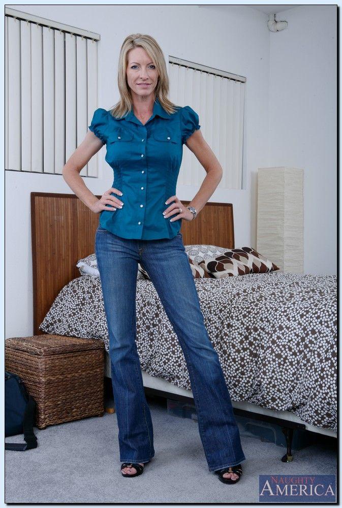 Mrs Starr - My Friends Hot Mom 2261-8424