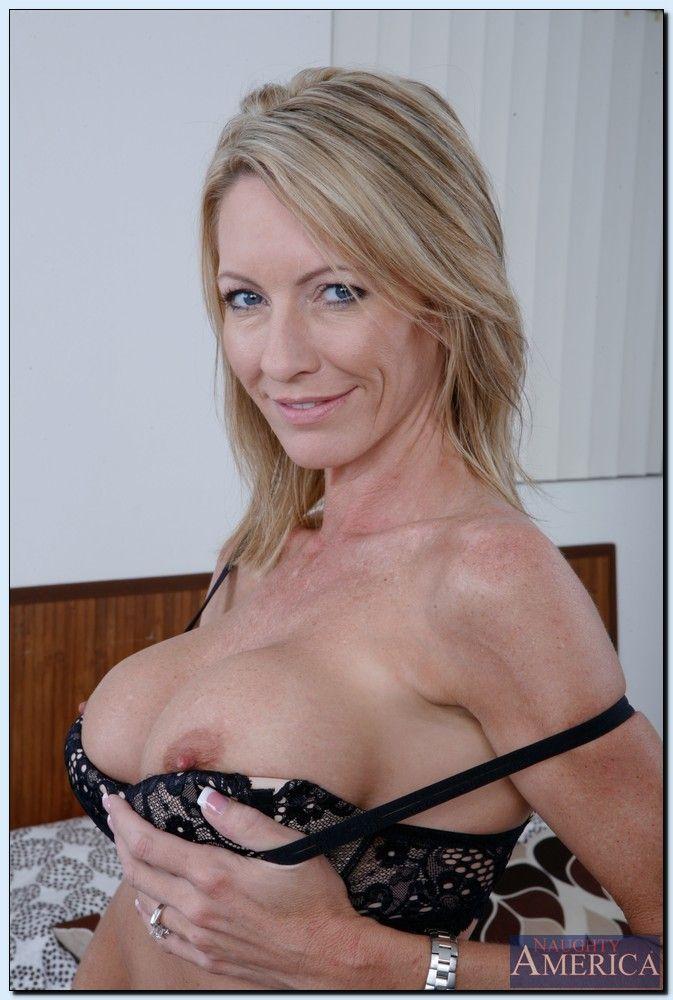 Coco austin boobs nude