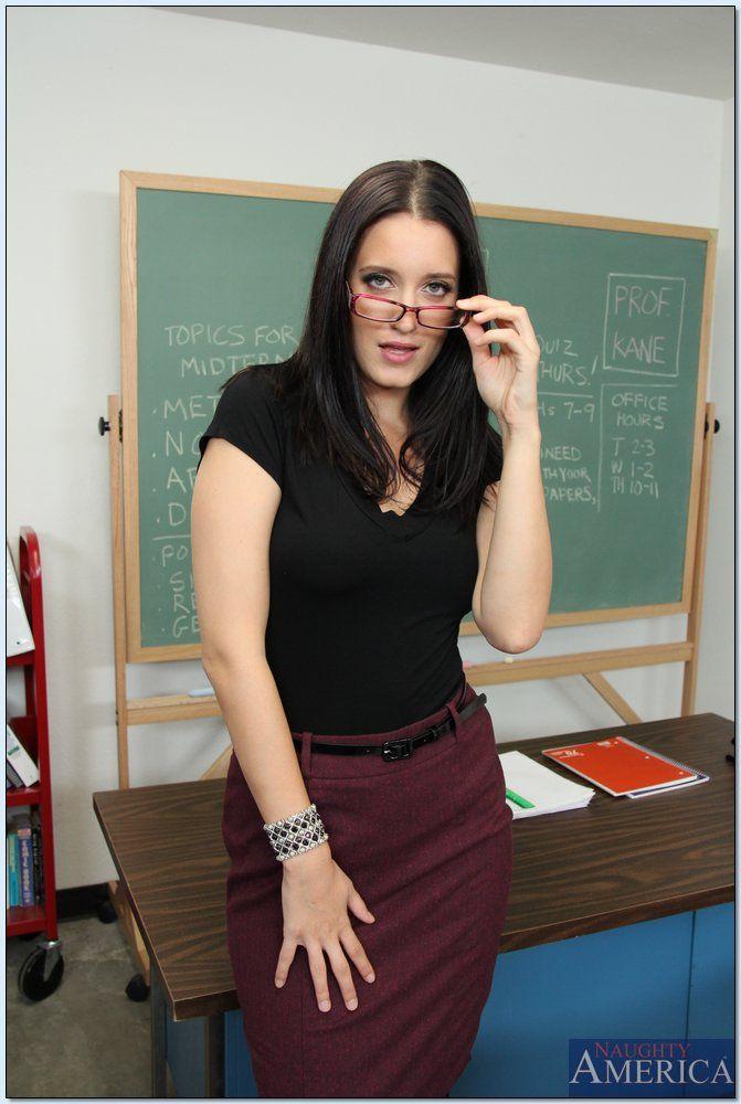 Seductive teacher in pantyhose Kimberly Kane stripping in the class № 1038599 без смс
