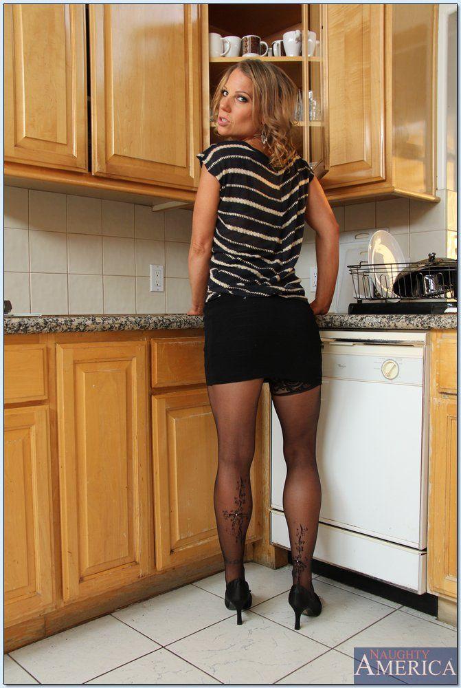 Alyssa Dutch - My Friend's Hot Mom 2603