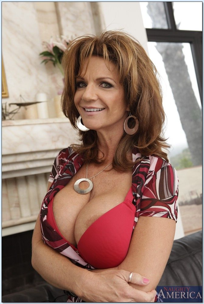 Deauxma - My Friends Hot Mom 2890-3982