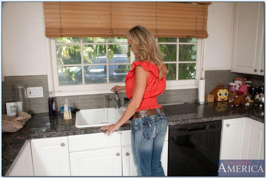Brandi love housewife 1 on 1
