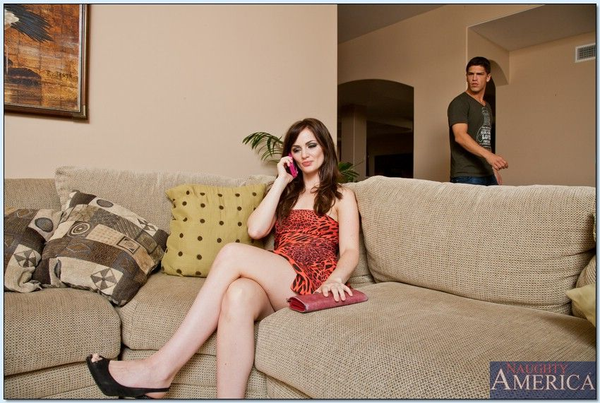 Lily Carter gives her guy blowjob before they have makeup sex № 889274 загрузить