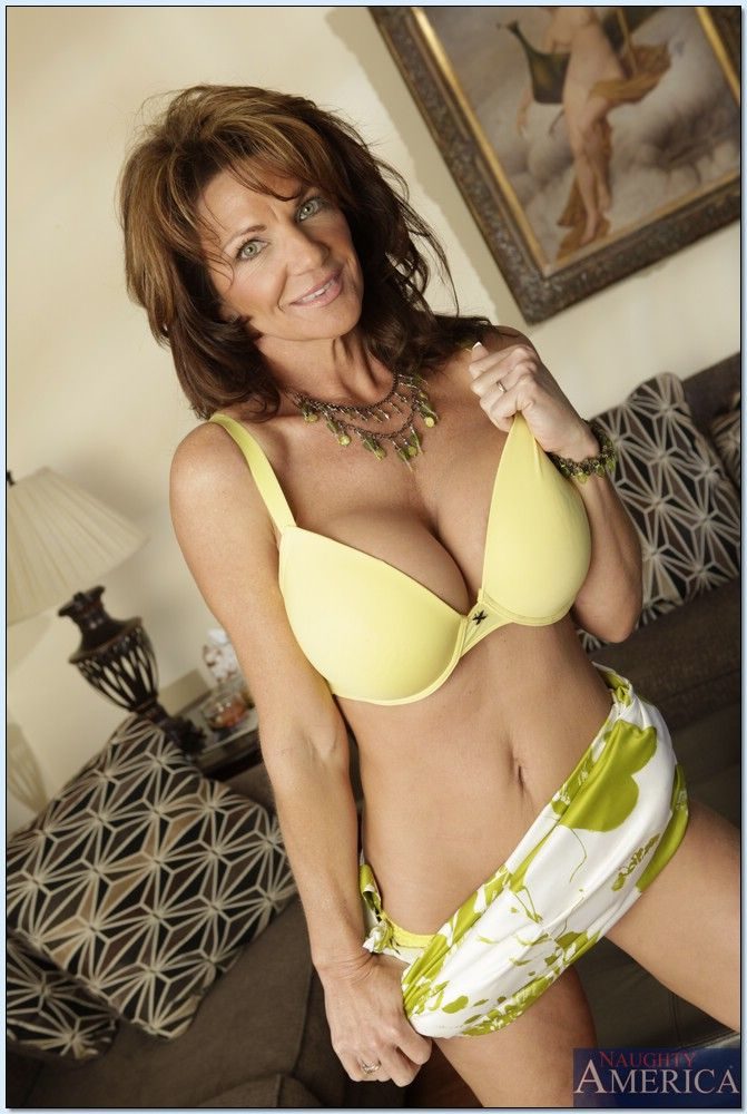 Deauxma - Seduced By A Cougar 3355-2890