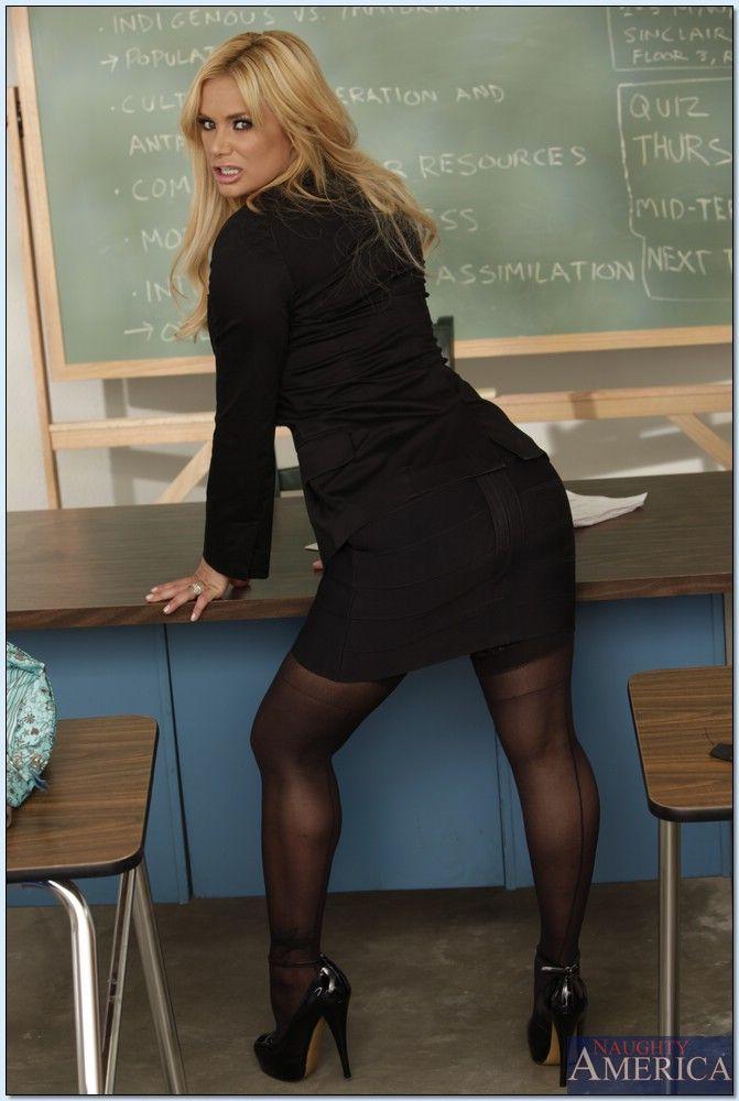 Shyla Stylez - My First Sex Teacher 3404-9521