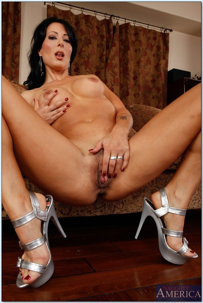 seduced by holloway cougar Zoey a