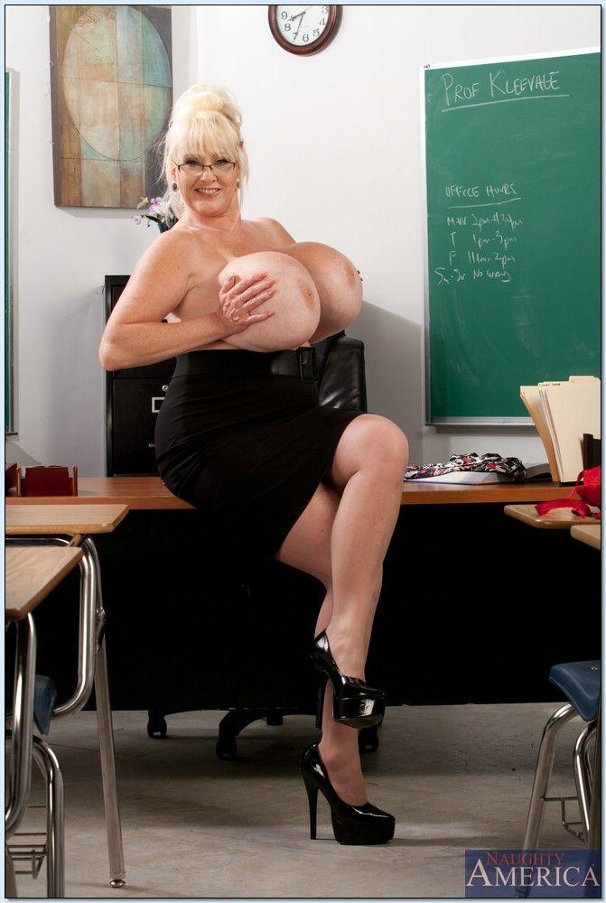 Kayla Kleevage Chris Johnson In My Primary Sex Teacher