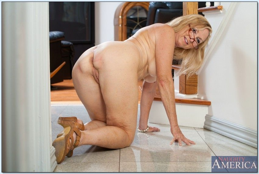 Step Mom Milf Julia Ann Gets A Load On Her Face By Step