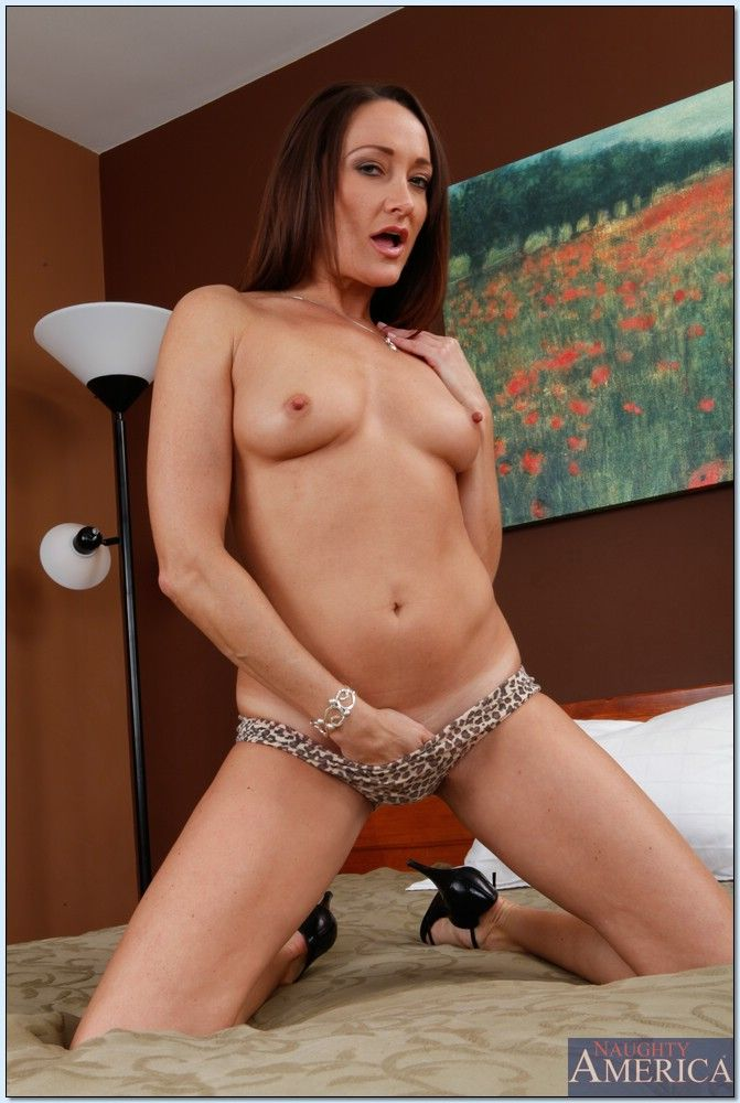 Michelle Lay - My Friends Hot Mom 3924-2001