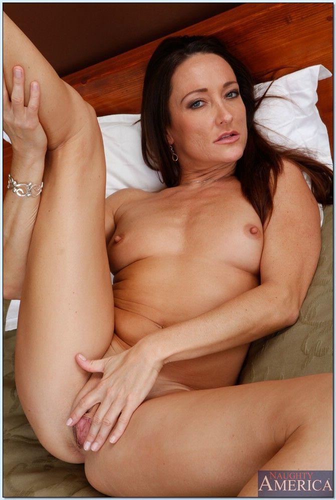 Free webcams nude women