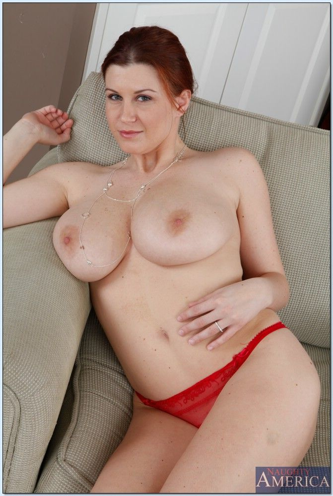 Nude picture of meena