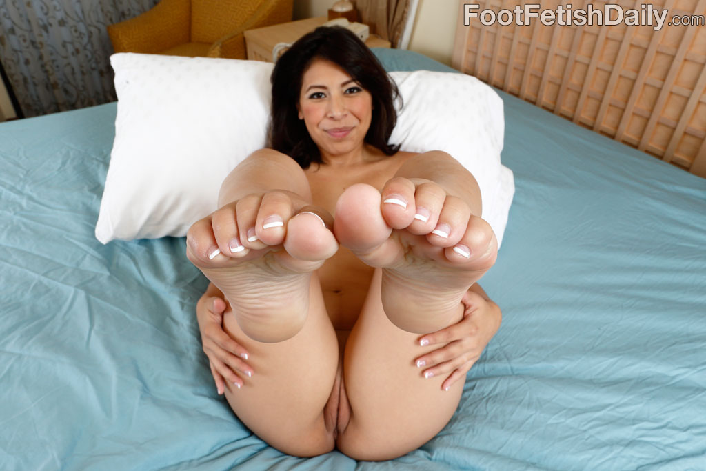 A footjob a day keeps the doctor away - 1 part 10
