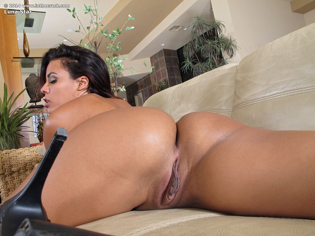 Sammi Star Bent Over Showing Her Pussy