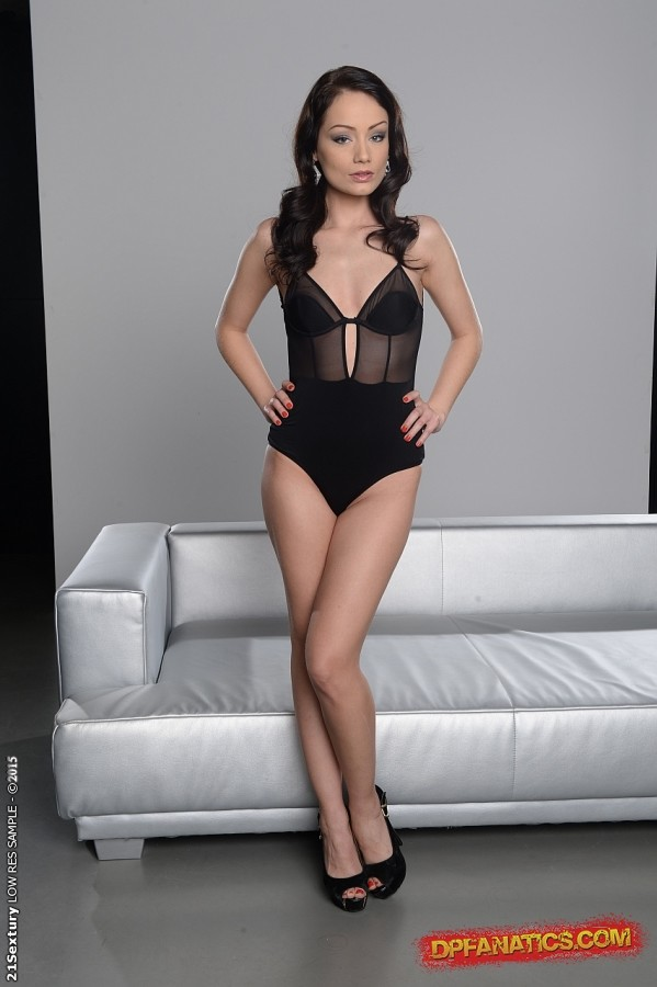 Top European BDSM action along dominating women Sophie Lynx and Mira Sunset № 628554 бесплатно