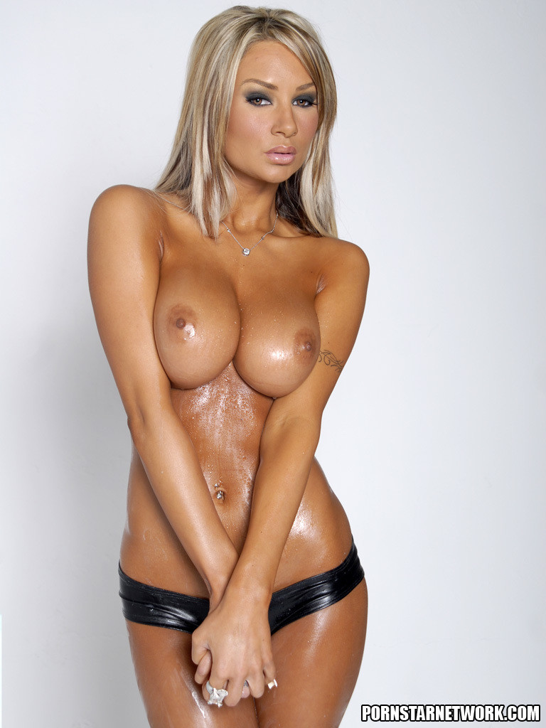 Hot Blonde Amy Plays With Her Toy