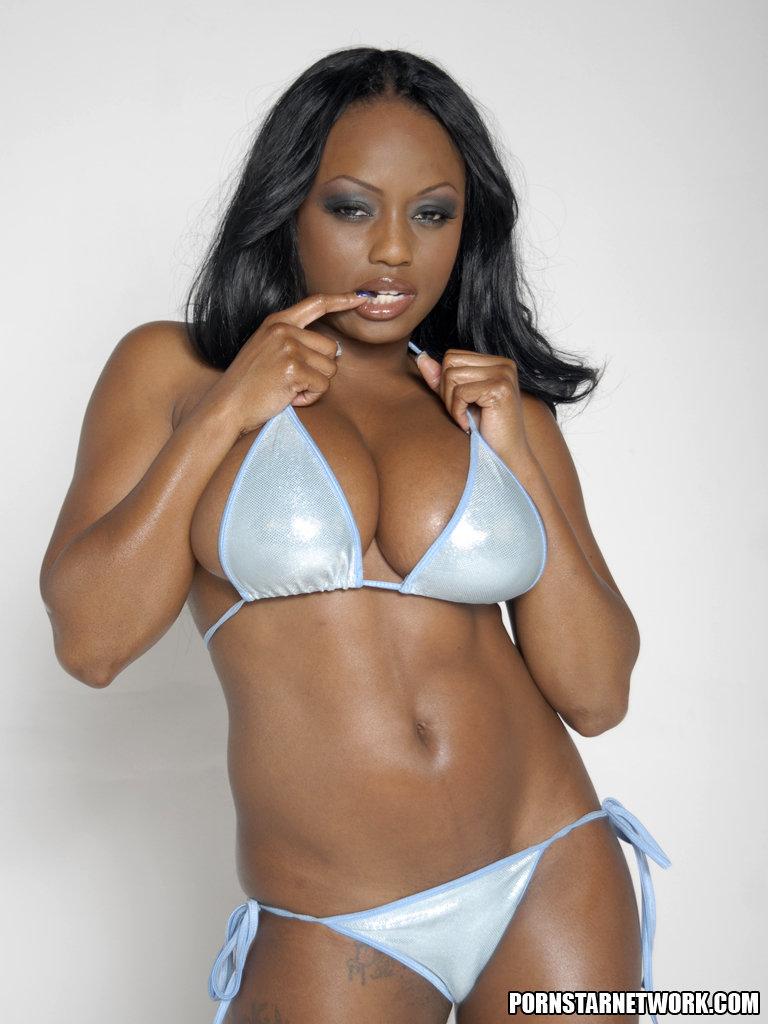 Smokin Hot Ebony Beauty Jada Fire Lubes Up Her Big Tits 55067-9167