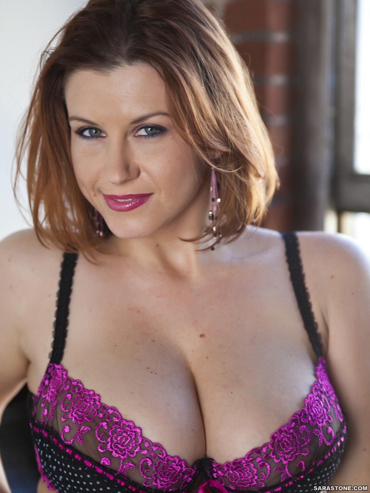 Top-heavy MILF Sara Stone enjoys a fervent threesome with hung lads № 266573 бесплатно