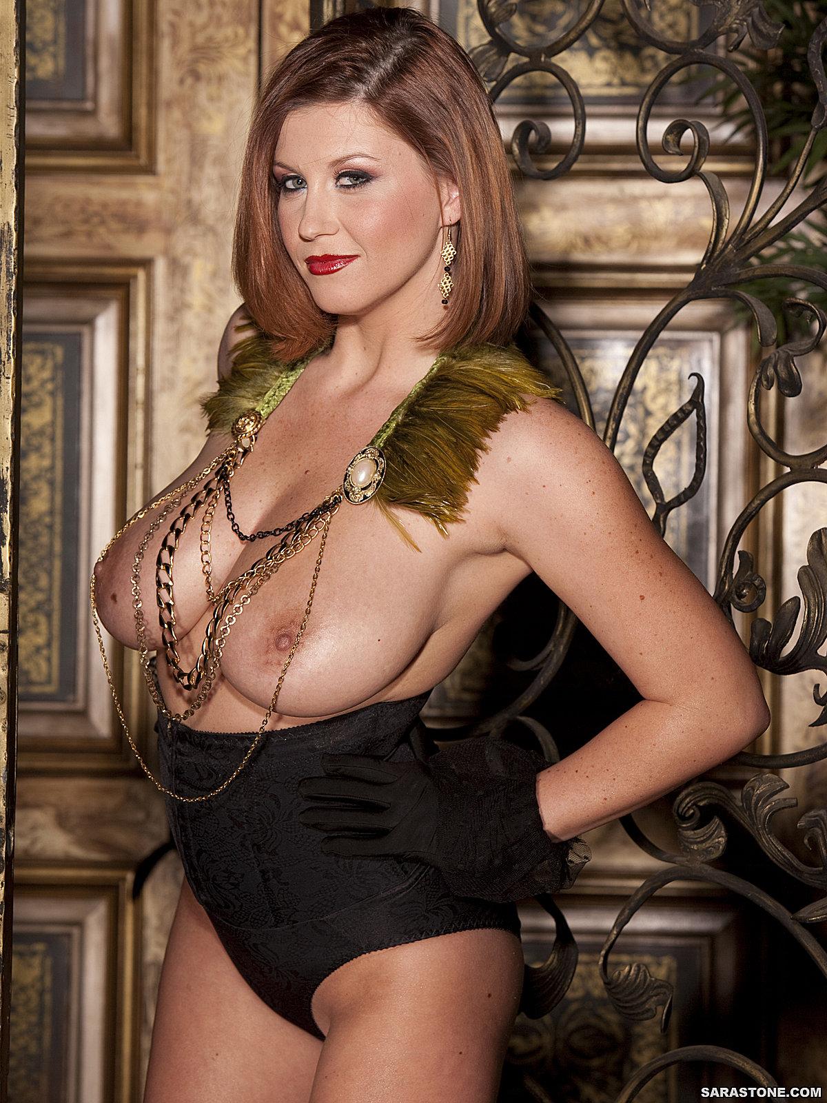 Sara Stone allettante con le sue grandi tette naturali 55885-5656