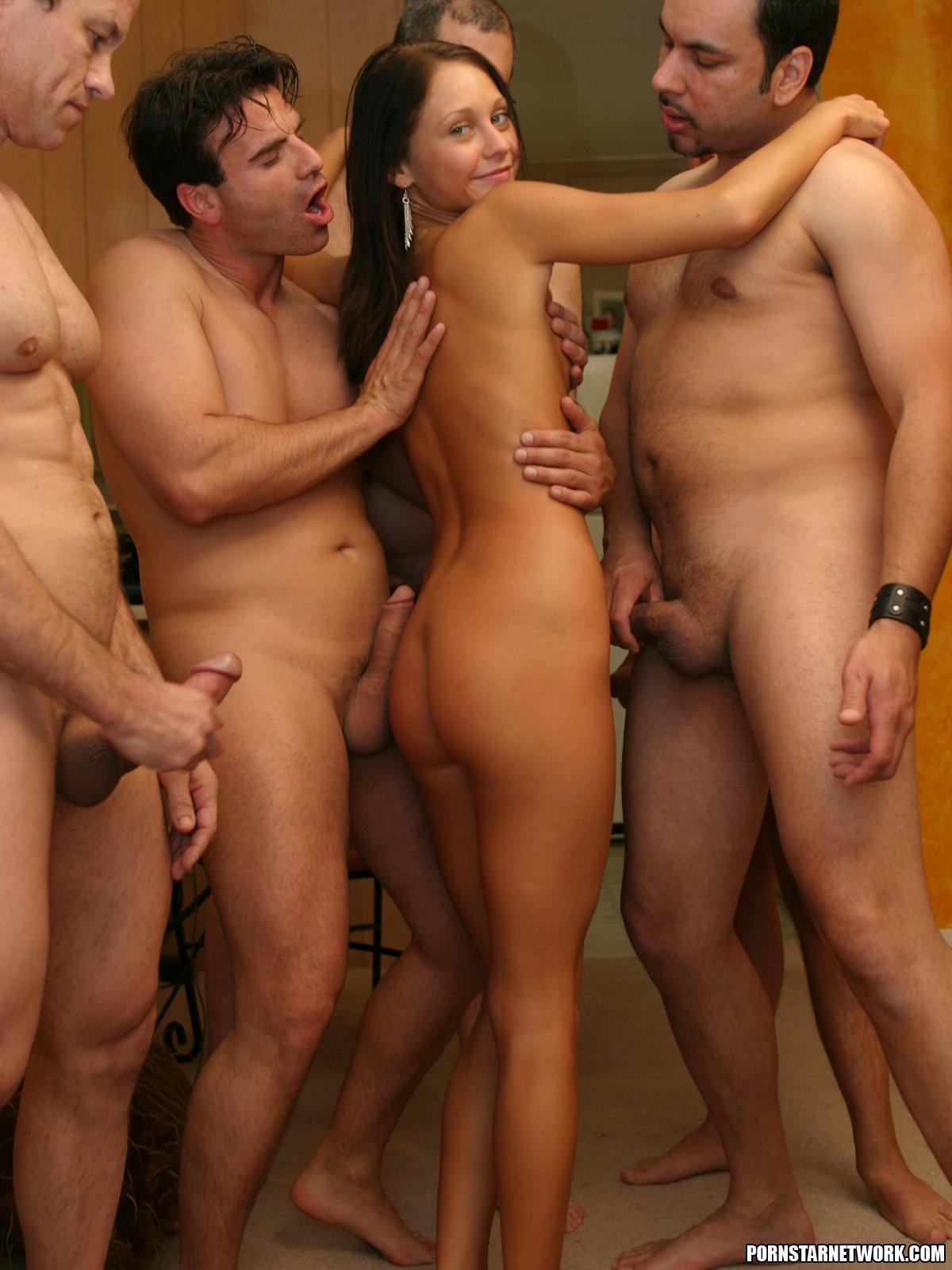порно онлайн толпа мужиков аматор - 9