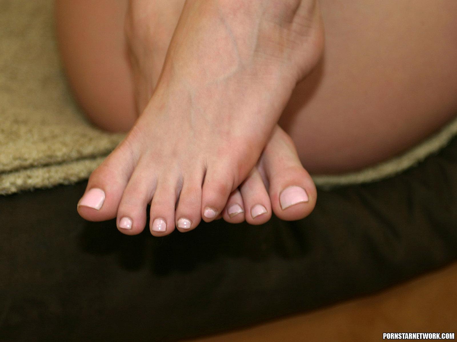 eva lovia nude pictures