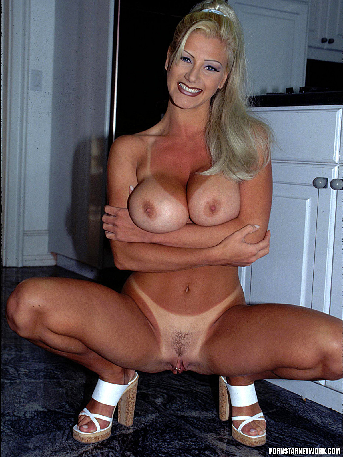 Brittany Andrews - Blond Milf Med Big Tits Gets Fucked 58331-4815