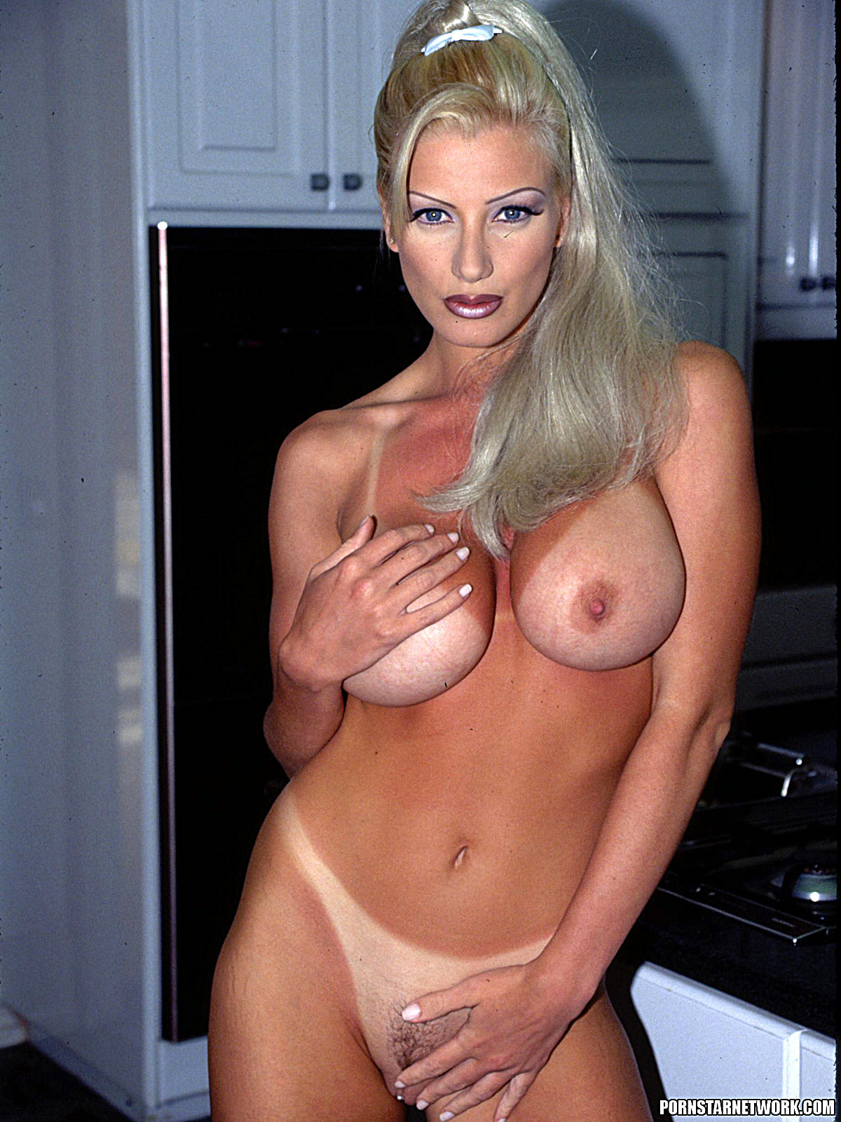 Brittany Andrews - Blond Milf Med Big Tits Gets Fucked 58331-2516