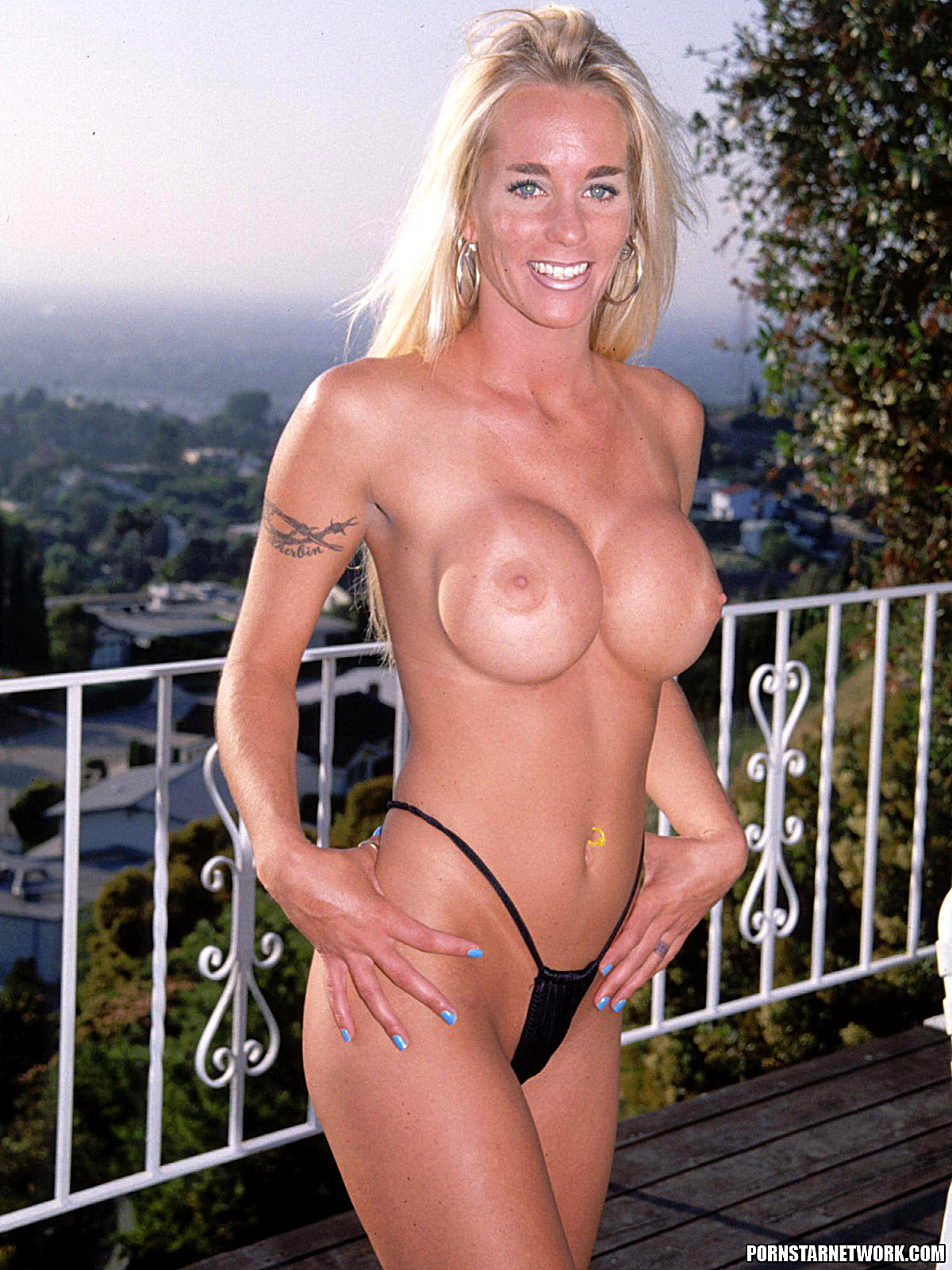 Cheyanne - Blonde Milf With Big Tits Loves Anal 58557-5387