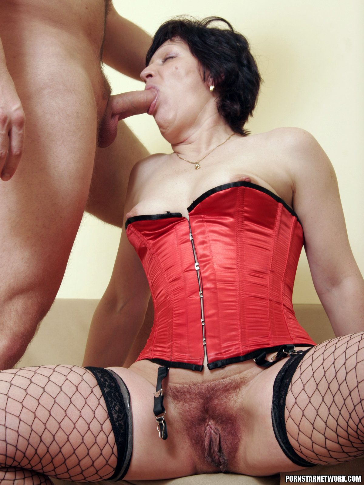 anal-hairy-corset-nudes-in-facebook