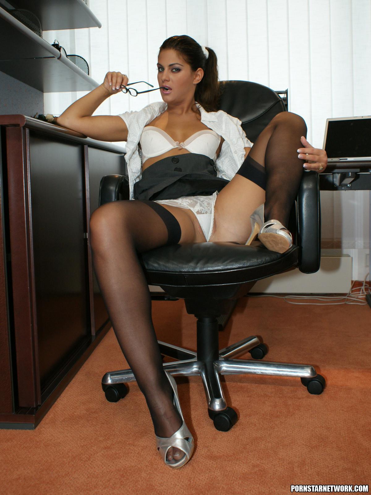Шикарная проститутка в офисе