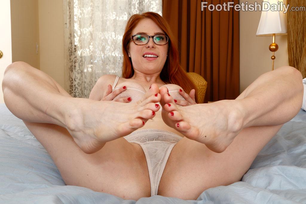 Alyssia kent foot fetish - 2 2