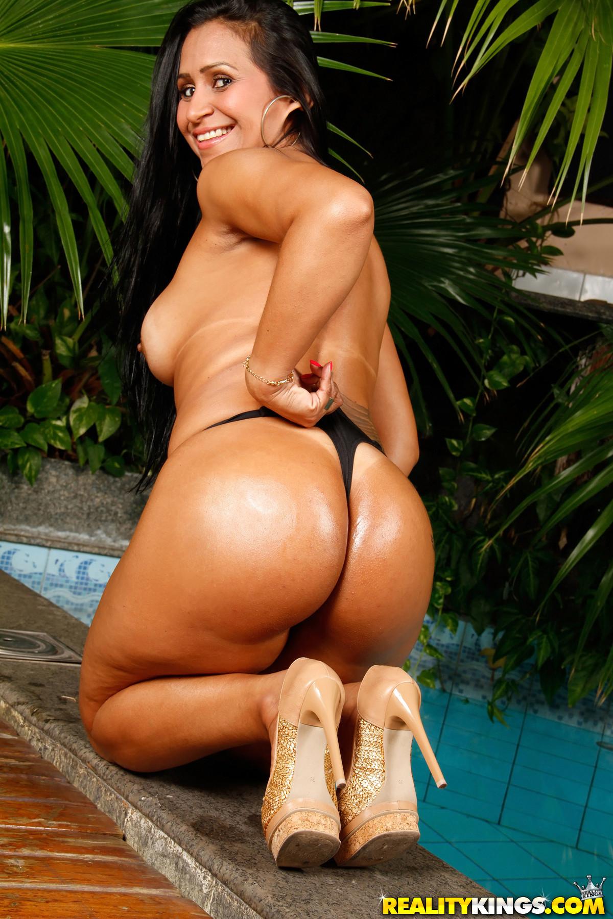 Alexandra - Amazing Ass - Mike In Brazil 61624-5869