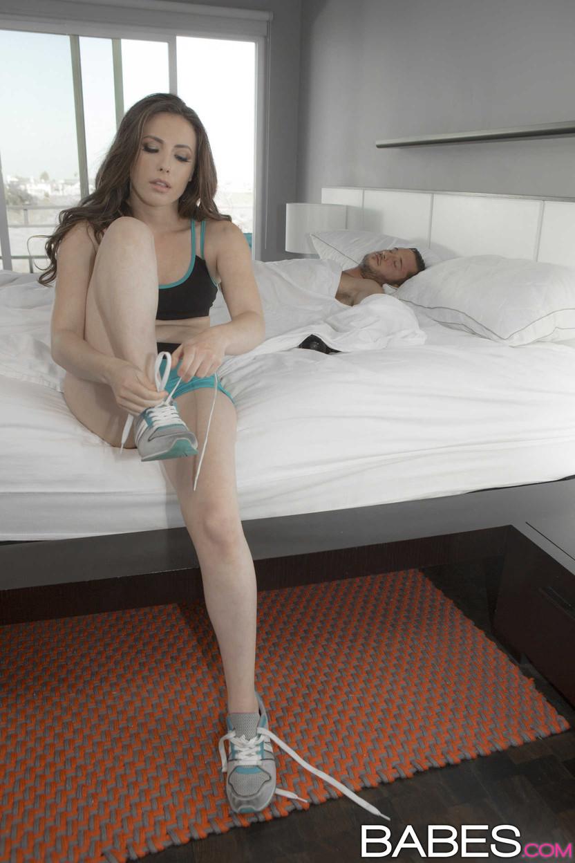Danny Mountain betroffen von der Sexualität von seinem Chef neue Sekretärin Missy Martinez