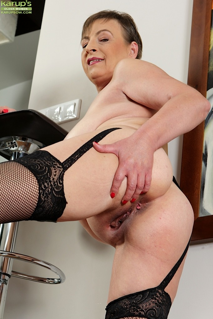 Awesome gilf in anal action with hot ending 2016smyt - 3 part 4