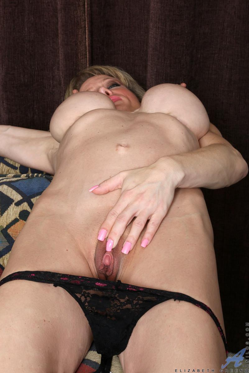 Nude Milf Porn Pics