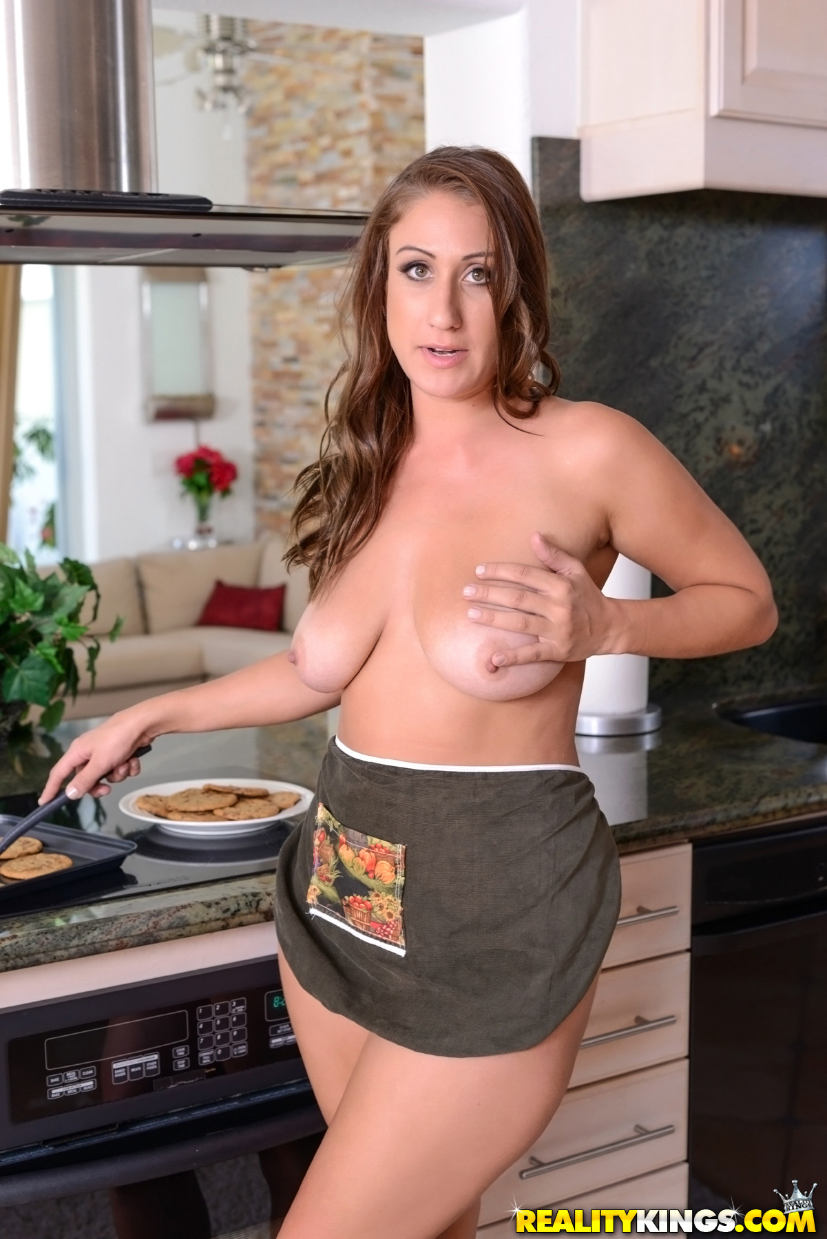 Milf Porn In Kitchen