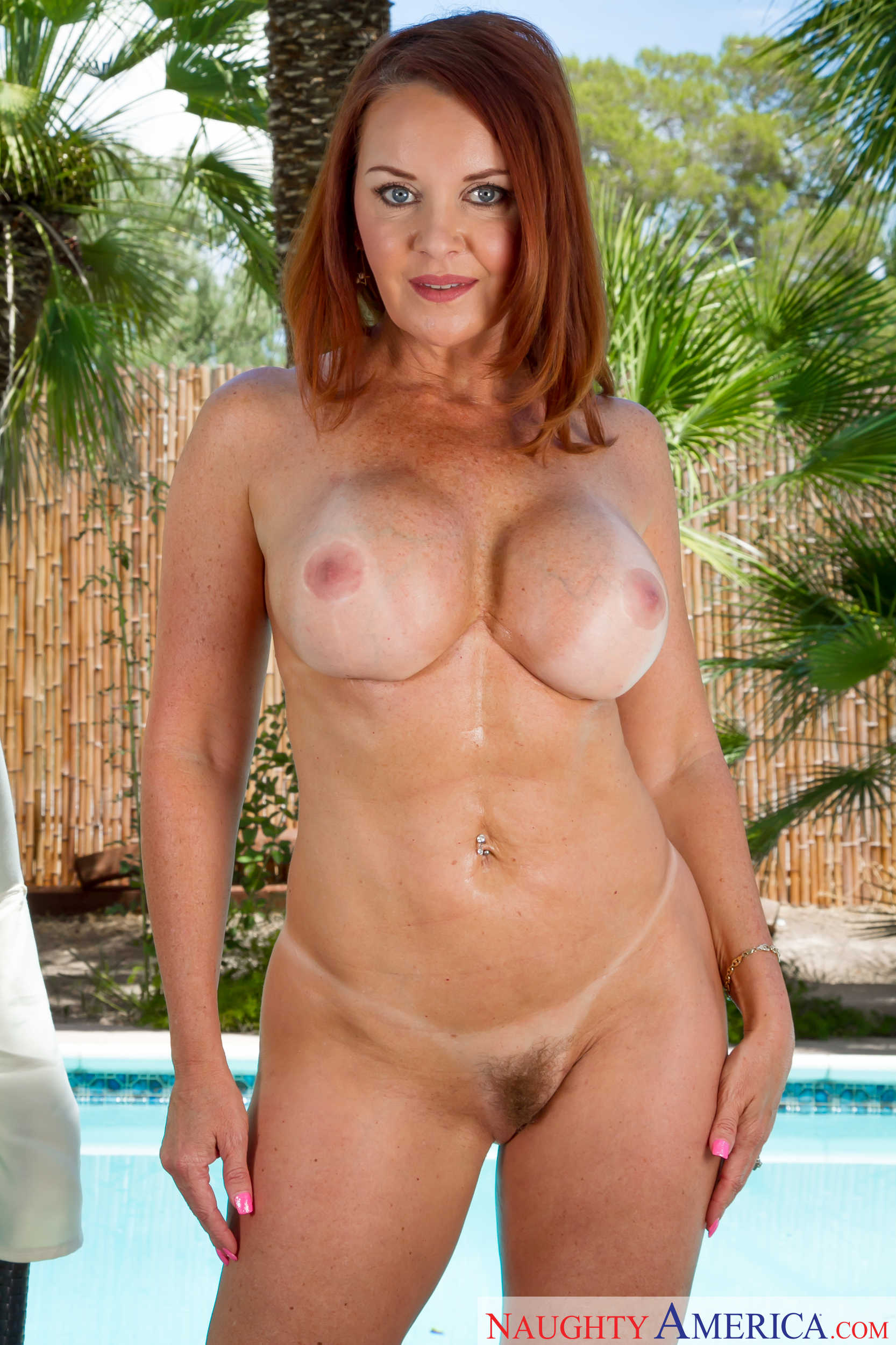 Thick naked redhead cougar