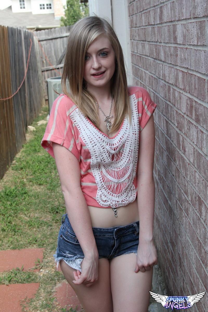 Cheaky little brunette teen suks cock - 1 part 5