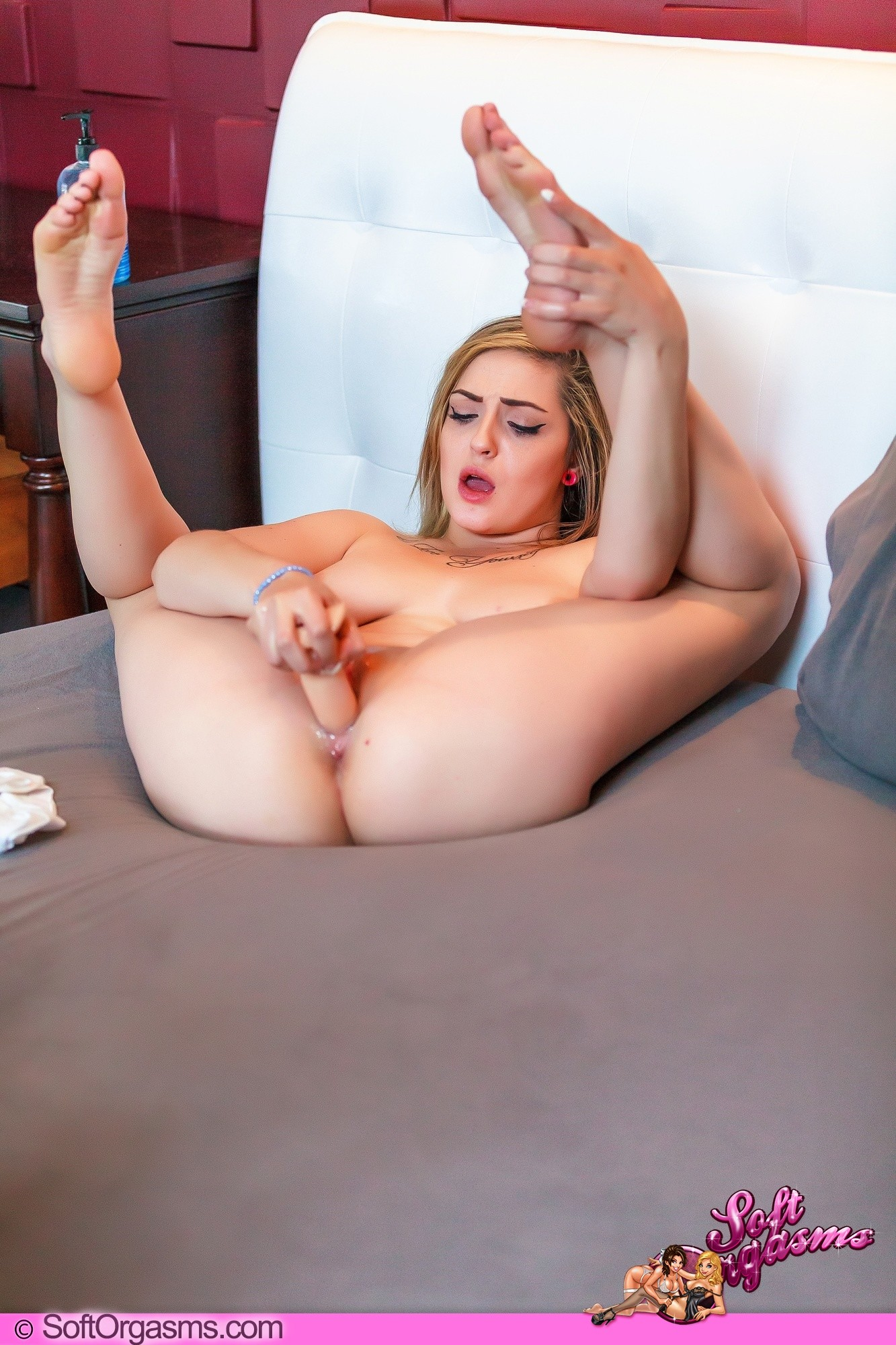 Vibrator in her ass needs you 2 shake google playomb 2 bang - 2 part 8