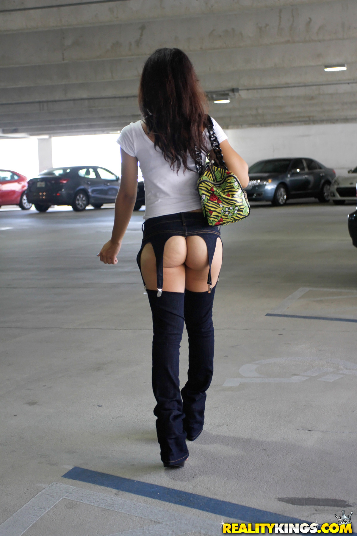 Bubble butt teen shopping in tight leggings amp uggs - 1 part 1
