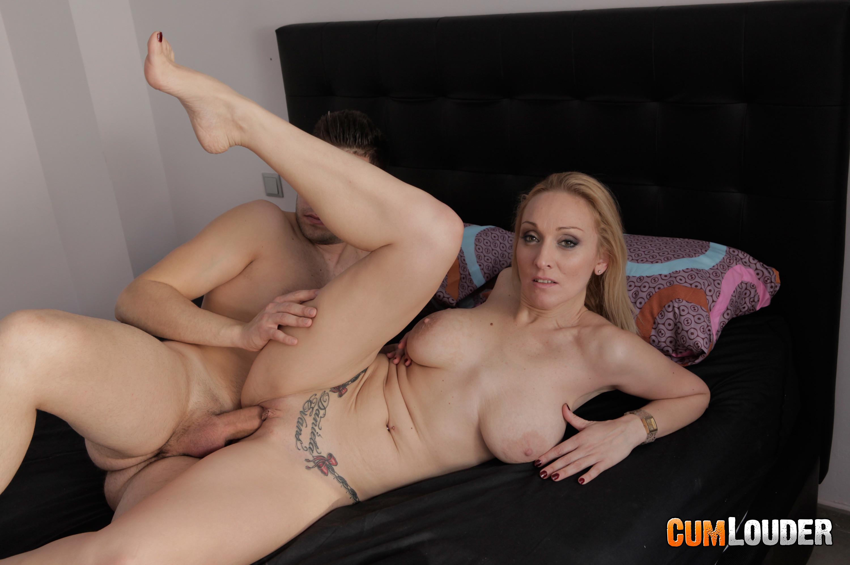 Daniela evans mature hunts for young men 5